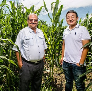 Professor Praveen Kumar and graduate student Dong K. Woo developed a model to tell the age of inorganic nitrogen in soil, which could help farmers more precisely apply fertilizer to croplands.