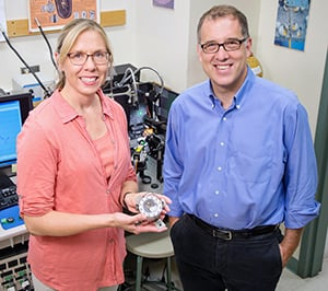 Illinois professors Nancy Sottos and Andrew Gerwith developed a method to comprehensively measure the mechanical stress and strain in lithium-ion batteries. It revealed a point of stress in charging that, if addressed through new methods or materials, could lead to faster-charging batteries. Illinois professors Nancy Sottos and Andrew Gerwith developed a method to comprehensively measure the mechanical stress and strain in lithium-ion batteries.
